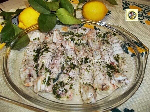 canocchie lessate con salsa aromatica   ricetta di pesce - Cucinare Le Canocchie