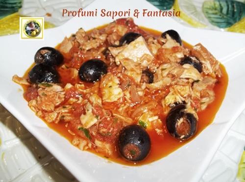 Sugo al tonno e pomodoro con olive nere  Blog Profumi Sapori & Fantasia