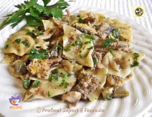 Stracci di pasta alle sarde con zucchine