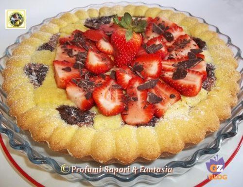 Crostata con crema pasticcera e marmellata di fragole