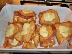 Cotolette di pollo farcite con crudo e formaggio  Blog Profumi Sapori & Fantasia