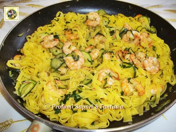 Ricetta veloce pasta zucchine e gamberetti
