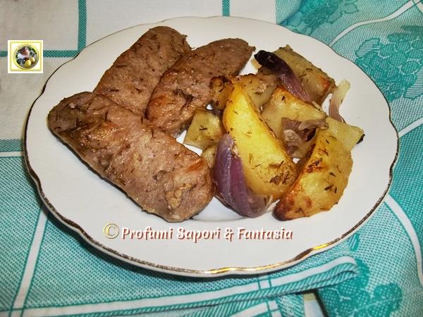 Salsiccia patate e cipolle al forno Blog Profumi Sapori & Fantasia