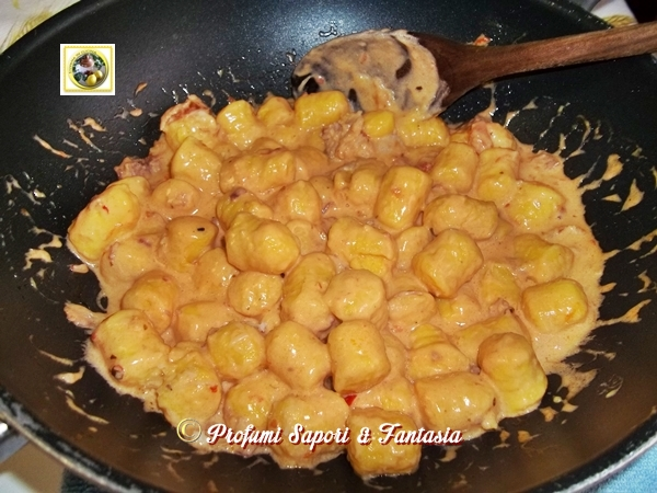 Gnocchi di patate al sugo fume'  Blog Profumi Sapori & Fantasia