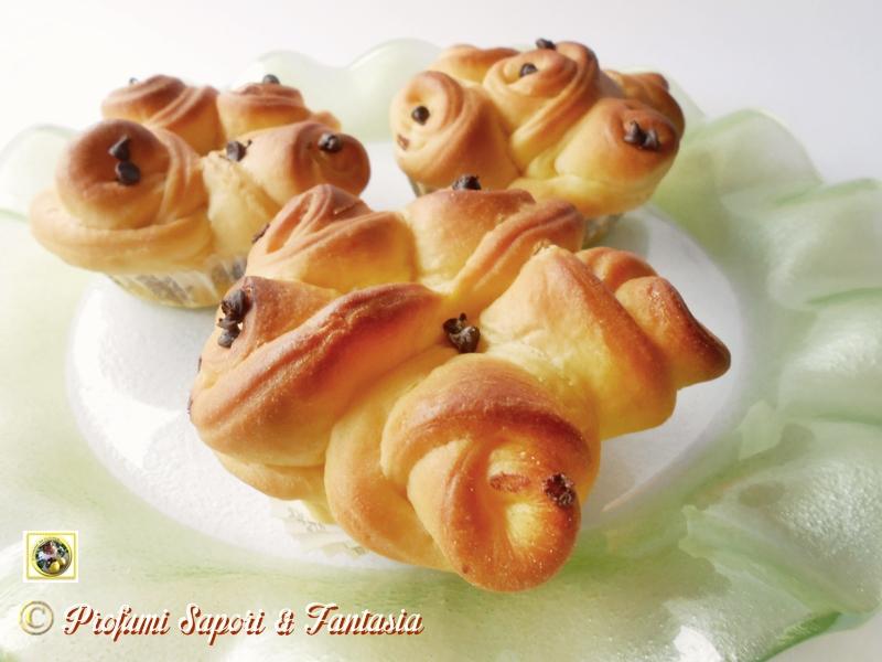 Brioche a fiore con gocce di cioccolato Blog Profumi Sapori & Fantasia