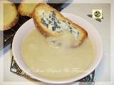 Zuppa di cipolle con crostini gratinati