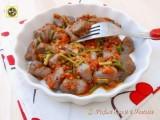 Gnocchi di patate viola con asparagi e salsiccia