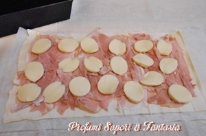 Rotolo di pasta sfoglia con prosciutto e formaggio Blog Profumi Sapori & Fantasia