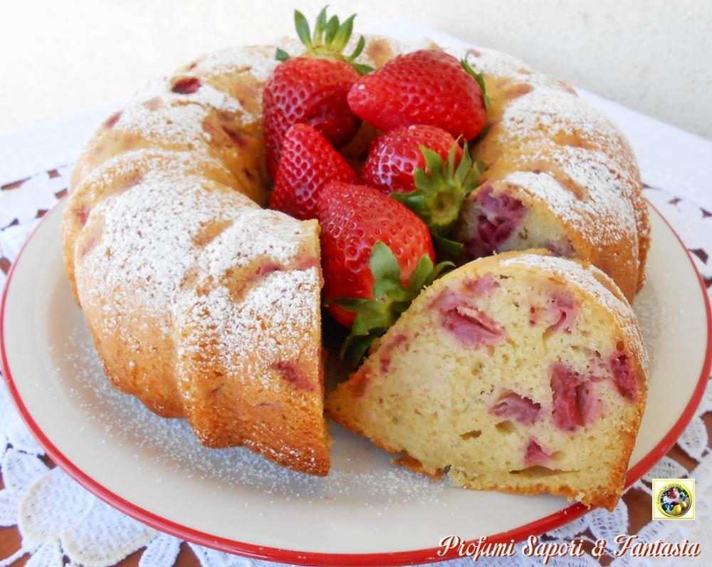 Ciambella con panna e fragole Blog Profumi Sapori & Fantasia