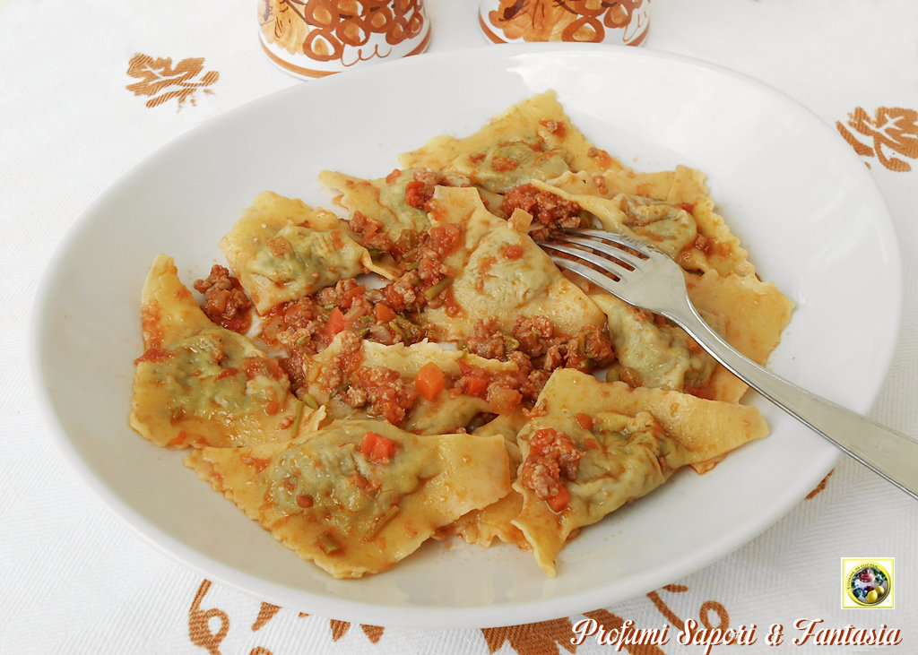 Tortelli con ripieno di carciofi e speck ricetta base