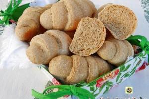 Cornetti di pane semi integrale