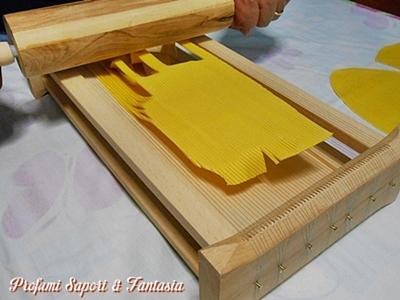 Spaghetti alla chitarra fatti in casa con sugo di peperoni Blog Profumi Sapori & Fantasia