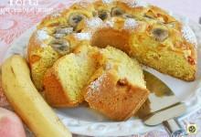 Torta con pesche e banane