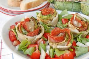 Rose salate con zucchine salame e scamorza