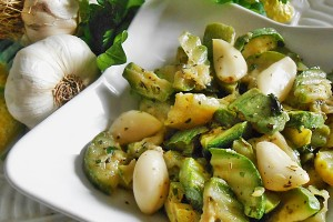 Zucchine in padella con aglio ricetta saporita