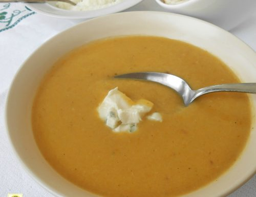 Crema di zucchine densa con porro e patate