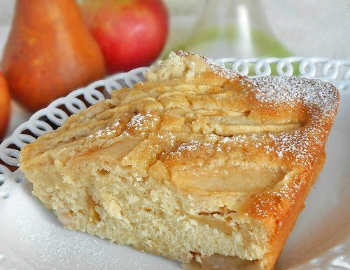 Torta soffice con pere mele e succo di arance