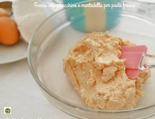 Farcia con stracchino e mortadella per pasta fresca