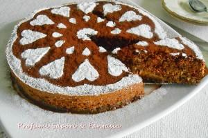 Torta di savoiardi e nocciole al forno
