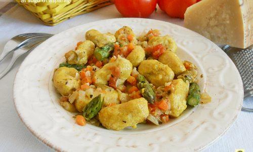 Gnocchi integrali al sugo di asparagi