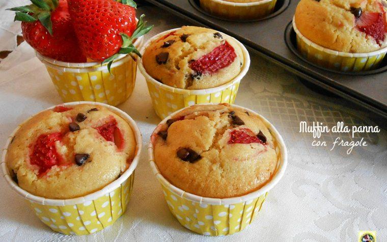Muffin alla panna con fragole