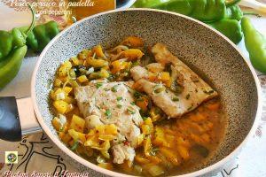 Pesce persico in padella con peperoni