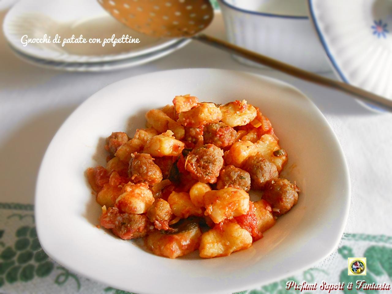 Gnocchi di patate al sugo con polpettine