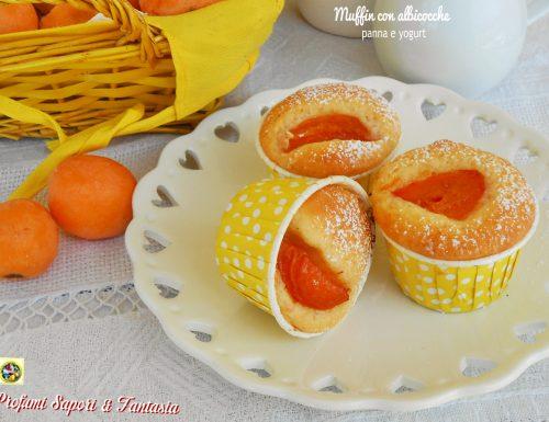 Muffin con albicocche panna e yogurt