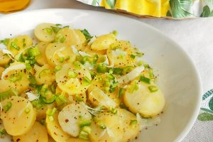 Patate in insalata con peperoni e parmigiano