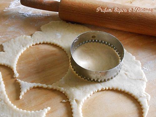 Crostatine con crema alla nocciola