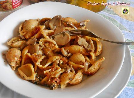 Pasta con verdure e funghi trifolati
