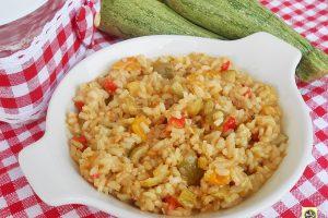 Risotto integrale con zucchine e peperoni