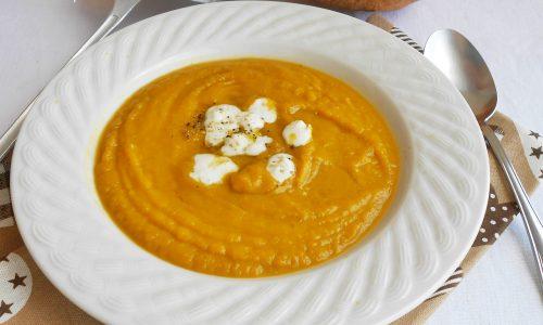 Crema di zucca e carote con piselli