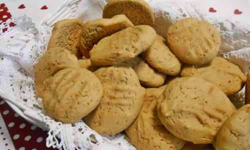 Biscotti morbidi con riso e castagne