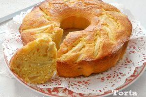 Torta con mandorle pere e banane