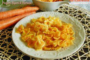 Pasta al pesto di carote yogurt e noci