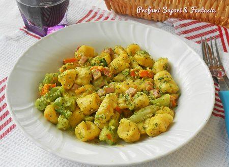 Gnocchi con broccoli zucca e prosciutto