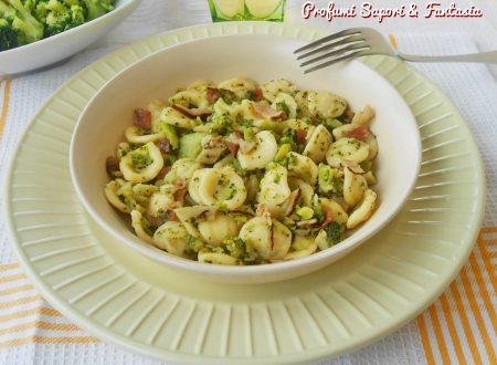Orecchiette con broccoli e pancetta