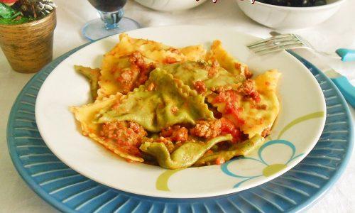Tortelli due colori con ragu alla bolognese
