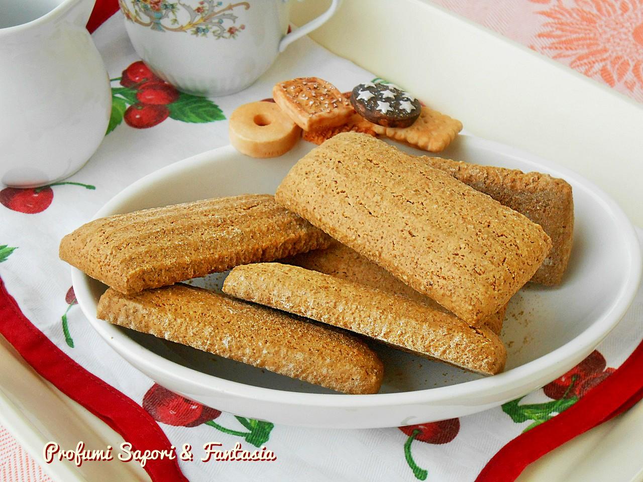 Biscotti integrali con farina di ceci senza uova