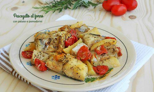Pescegatto al forno con patate e pomodorini