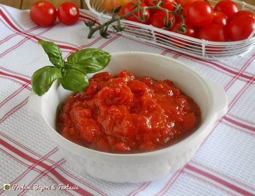 Sugo di pomodoro e basilico