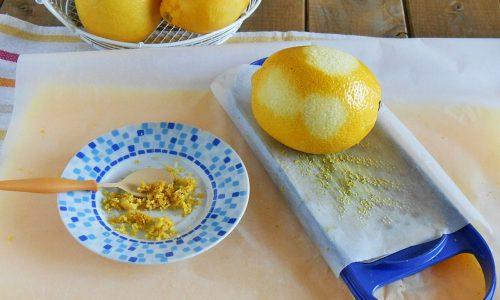 Come grattugiare la scorza di agrumi senza fatica