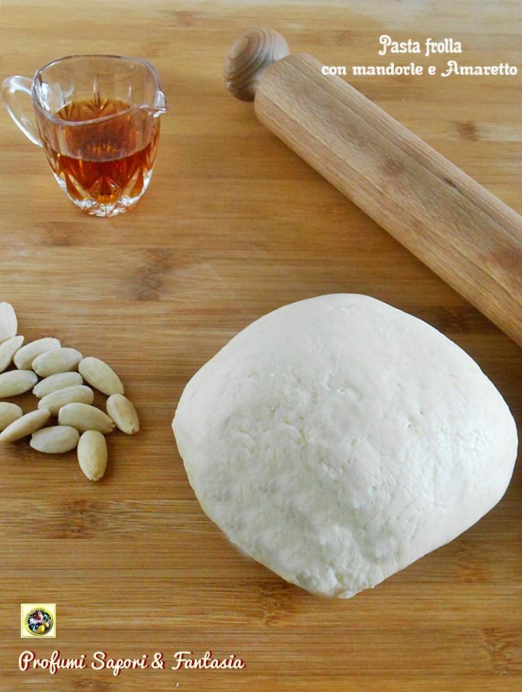 Pasta frolla con mandorle e Amaretto