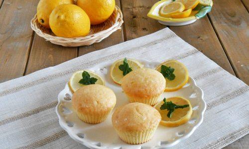 Tortine di ricotta al limone con glassa