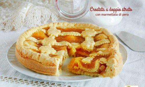 Crostata a doppio strato con marmellata di pera