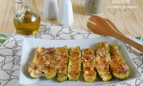 Zucchine con cipolla e parmigiano al forno