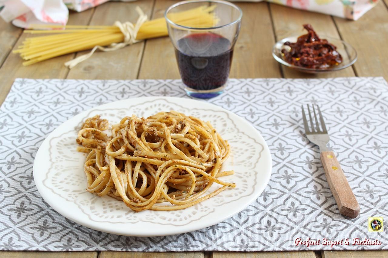 Linguine al pesto di pomodori secchi e noci