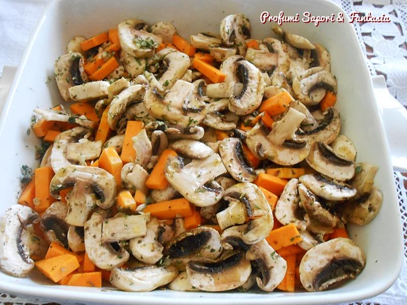 Zucca con funghi al forno