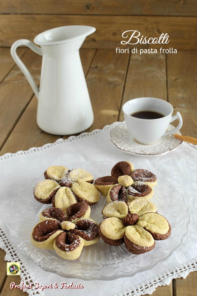 Biscotti fiori di pasta frolla